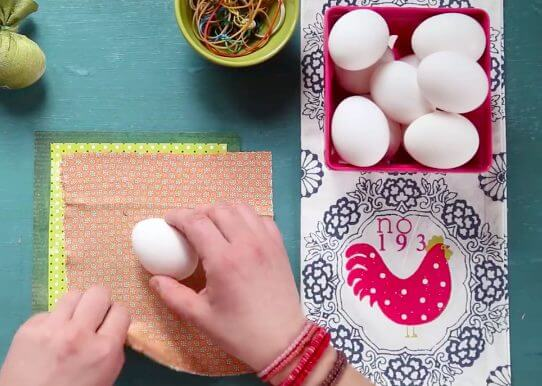 how to dye Easter eggs with silk