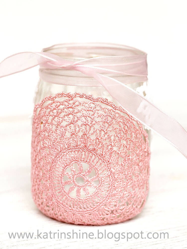 Candle holder from glass jar and doilies, diy candle
