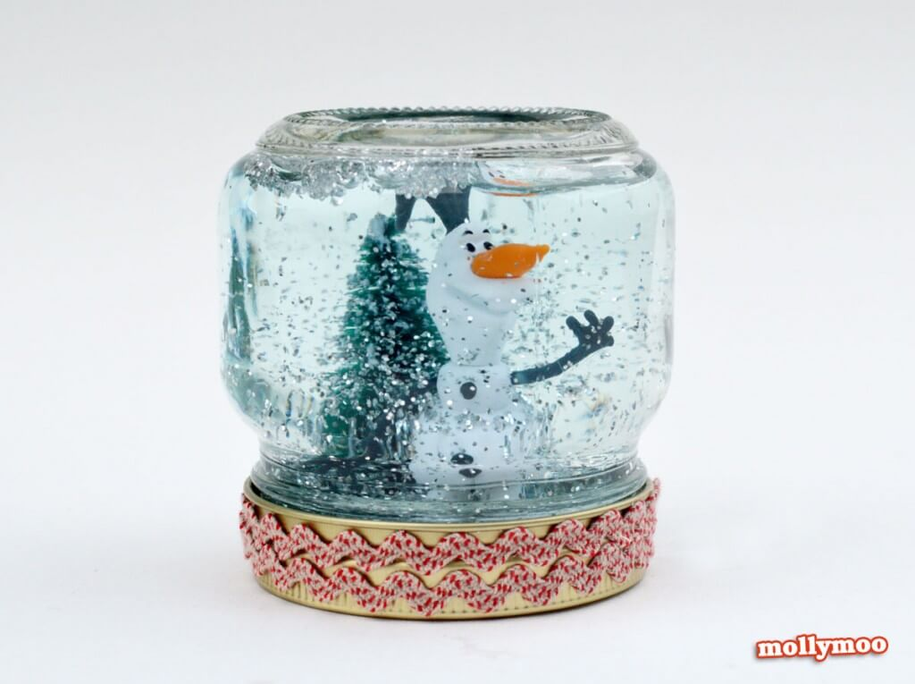 Easy Christmas Snow Globe Idea