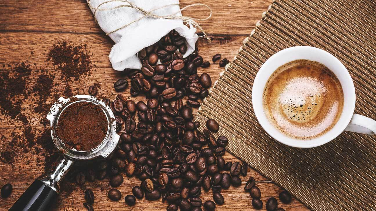 8 Drinks to Boost Metabolism and Tone Up Your Body, coffee