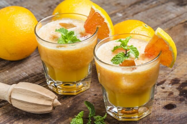 8 Drinks to Boost Metabolism and Tone Up Your Body, fruit smoothie