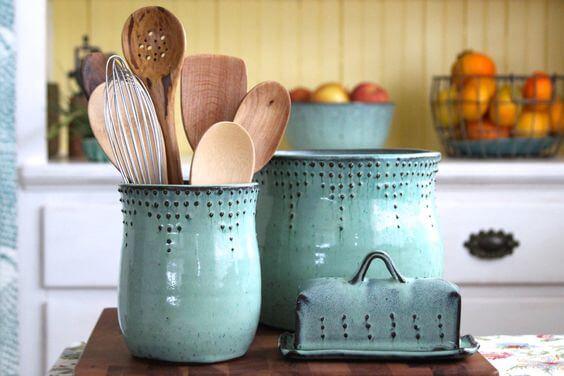 Ten Easy Ways to Design Your Own Kitchen in Less Than an Hour, diy kitchen utensil holder