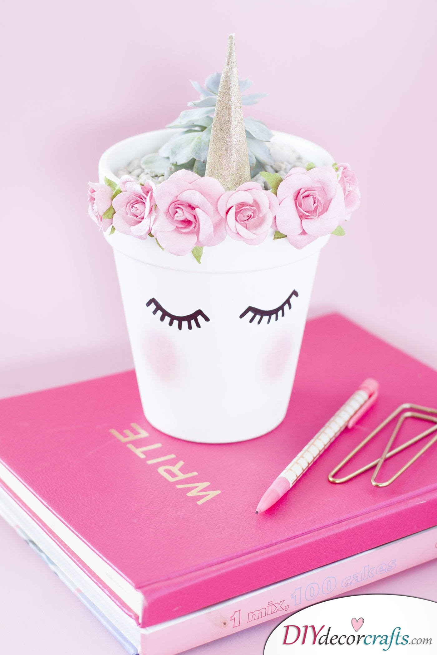 10 Amazing and Impressive DIY Unicorn Ideas, Unicorn Planter