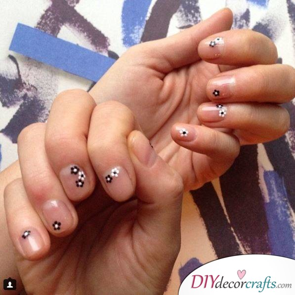 10 Best Nail Designs For A Date Night, Daisies