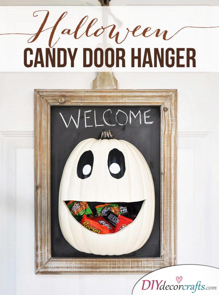 10 DIY Halloween Decor Ideas, Candy Door Hanger