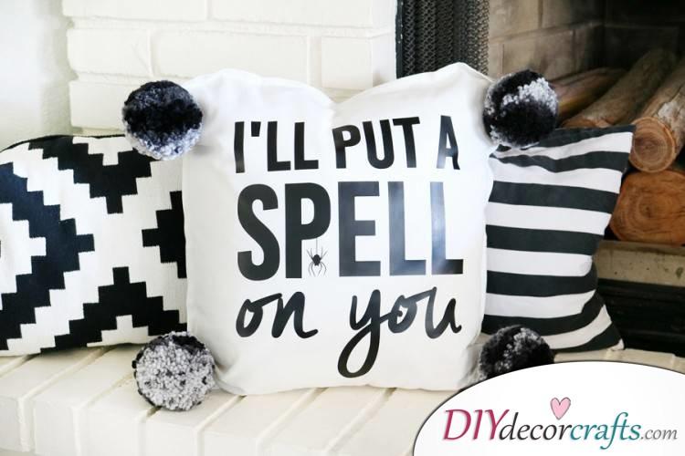 10 DIY Halloween Decor Ideas, Halloween Pillow