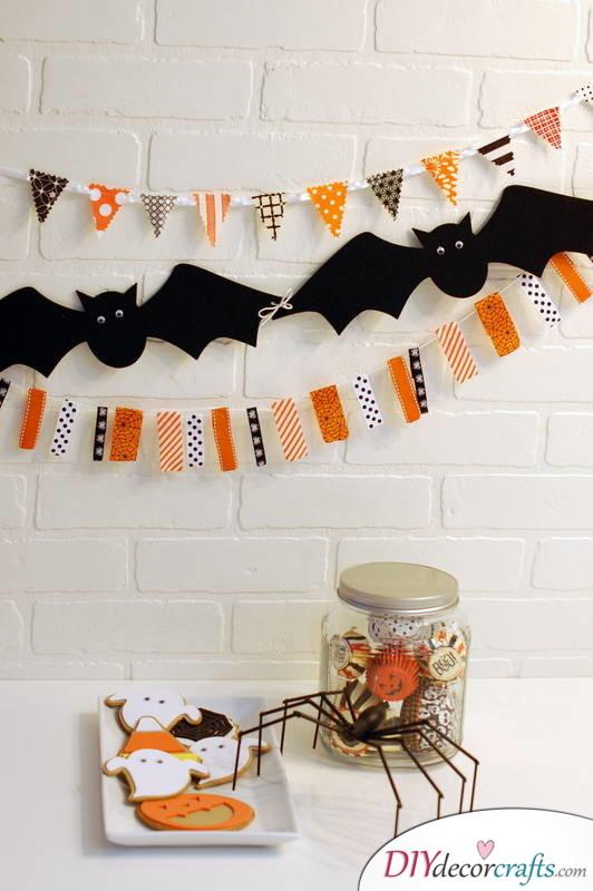 10 DIY Halloween Decor Ideas, Halloween Garlands