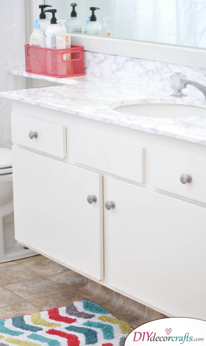 10 Simple Yet Amazing DIY Kitchen Countertop Ideas That Will Blow You Away, Faux Marble