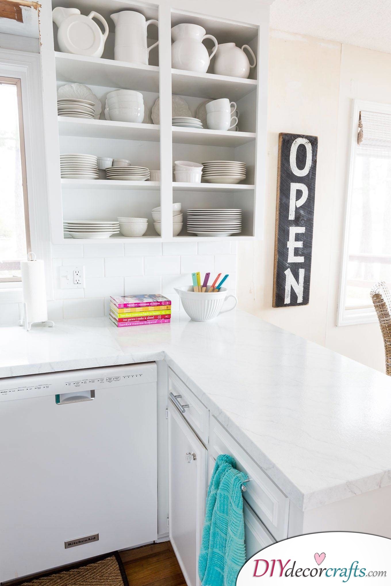 10 Simple Yet Amazing DIY Kitchen Countertop Ideas That Will Blow You Away, Painting Countertop To Make It Look Like Carrara Marble