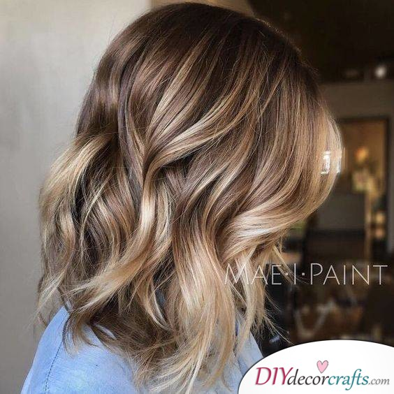 12 Fall Hair Color Ideas To Spice Things Up, Light Blonde Balayage
