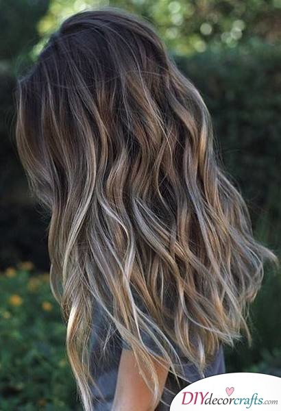 12 Fall Hair Color Ideas To Spice Things Up, Rooted Dark Bronde