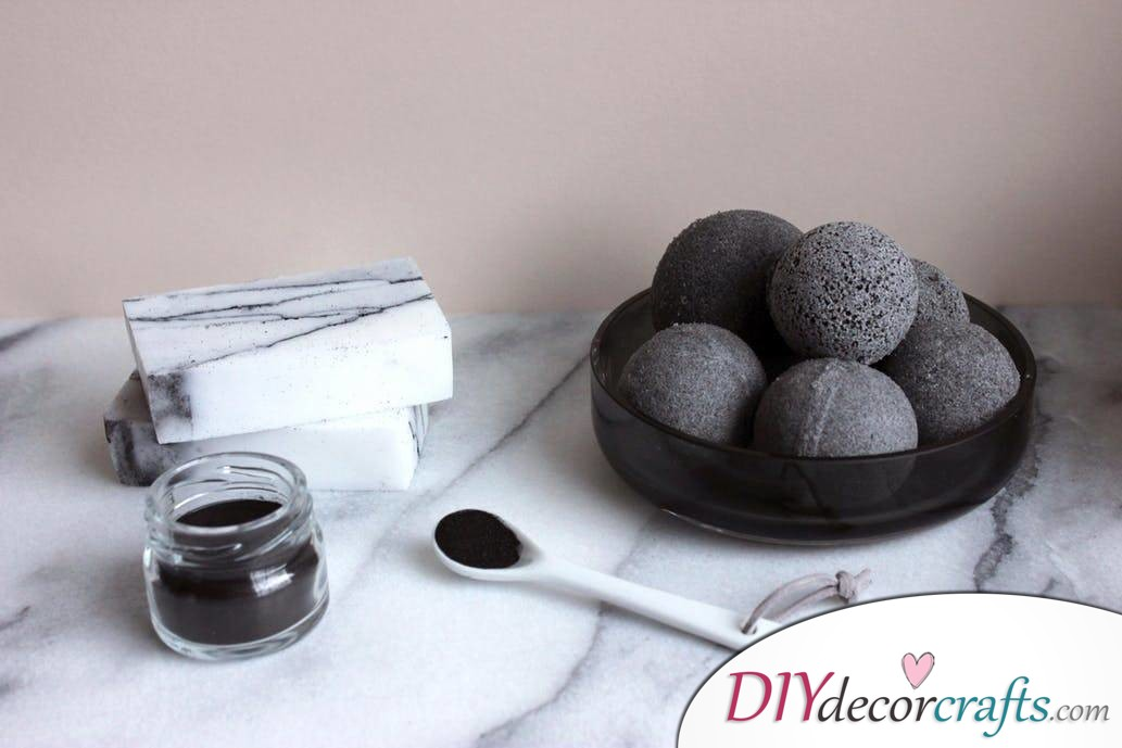 15 Homemade DIY Bath Bombs, Activated Charcoal Bath Balls