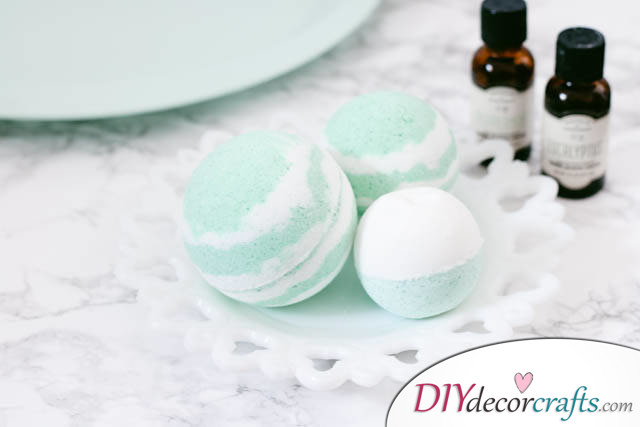 15 Homemade DIY Bath Bombs, Cold and Sinus Relief Bath Bombs