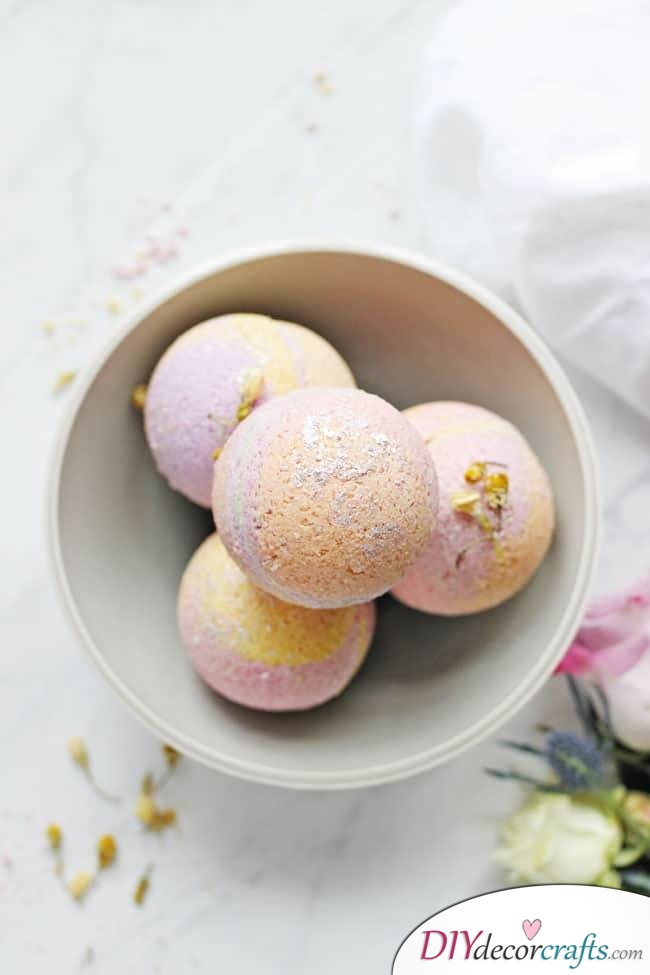 15 Homemade DIY Bath Bombs, No-Fail Coconut Oil Bath Bombs