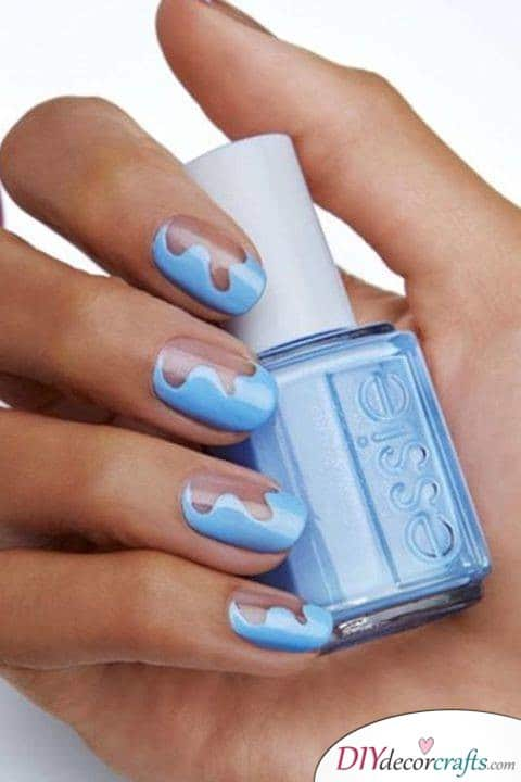 15 Trendy And Amazing Nail Designs Perfect For The Summer, Blue Waves