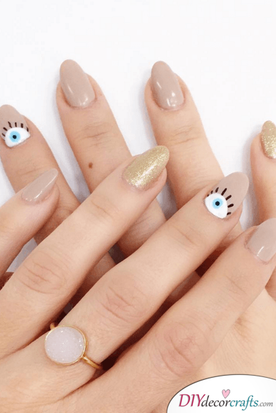 Cute And Naturalistic Nail Design, Crescent Eyes