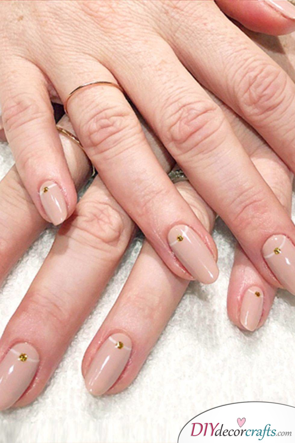 Cute And Naturalistic Nail Design, Subtly Dotted Nails