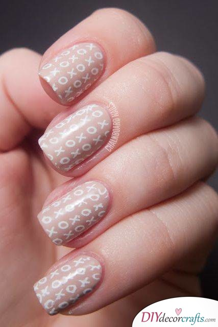 Cute And Naturalistic Nail Design, XOXO Nails