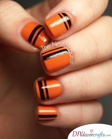 The Best Nail Art Ideas For Halloween, Orange-Black Stripes