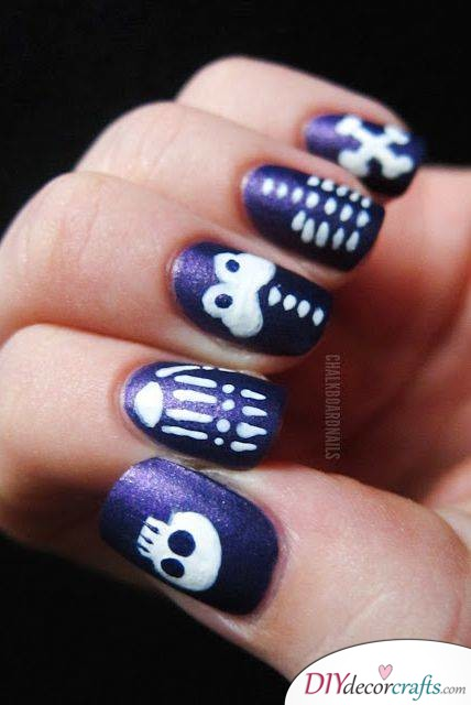 The Best Nail Art Ideas For Halloween, Sparkly Skeleton