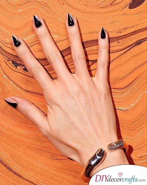 The Best Nail Art Ideas For Halloween, Faux Talons