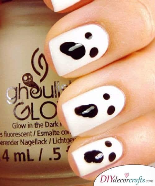 Ghosts - DIY Halloween Nail Art Ideas