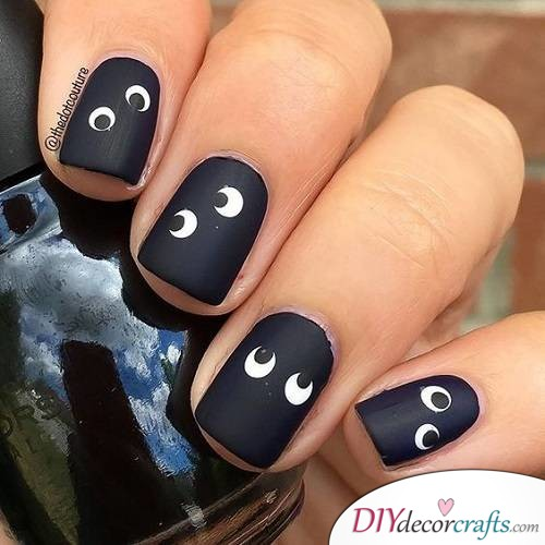 Eye - Halloween Nail Art For Beginners