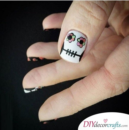 Dia de Los Muertos - Halloween Nail Art For Beginners