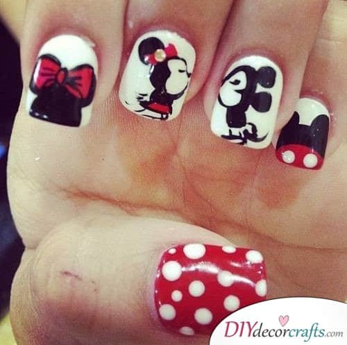 Mickey and Minnie - Disney Nail Art Design