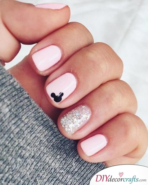 Cute Pink Mickey Mouse - Disney Nail Art Design