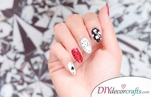Alice In Wonderland - Disney Nail Art Design