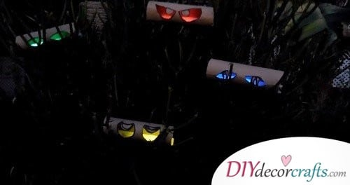 Glowing Eyes - Halloween Décor