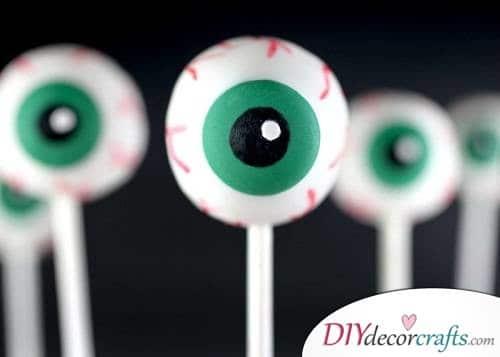 Eyeball Pop Cake - Halloween Décor