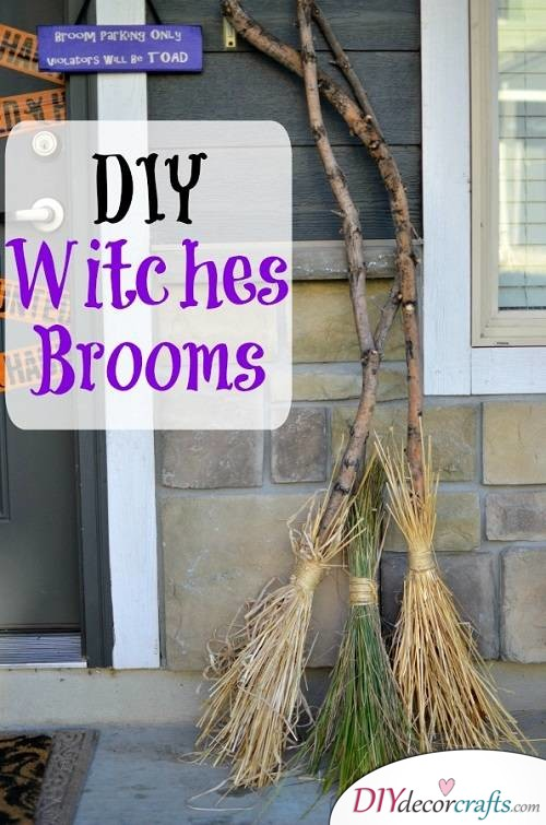 Witches Broom - Halloween Décor