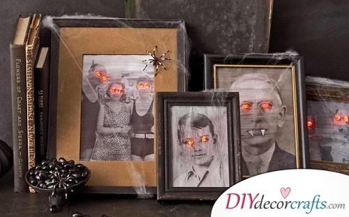 Scary Family Portraits - Halloween Décor