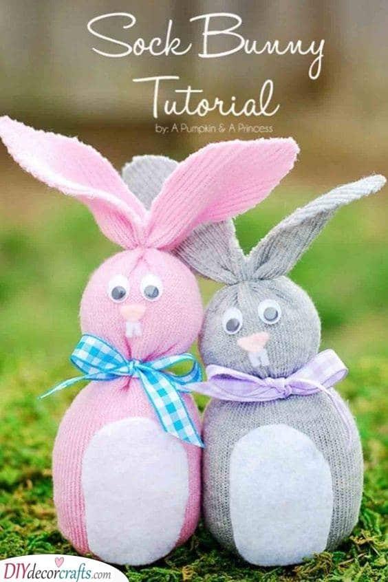 Adorable Sock Bunnies - A Hopping Idea