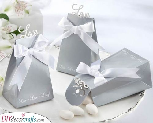 Silver Gift Boxes - Elegant Silver Wedding Decorations