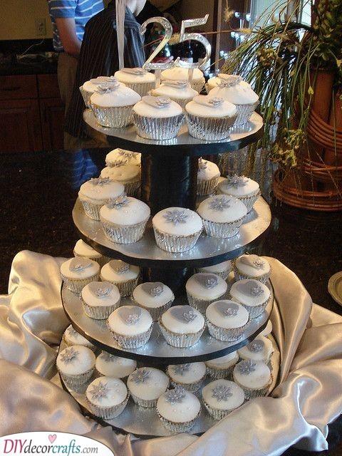 A Tower of Cupcakes - Scrumptious Decor