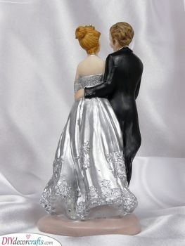 Small Figurines - Ideas for Your Cake