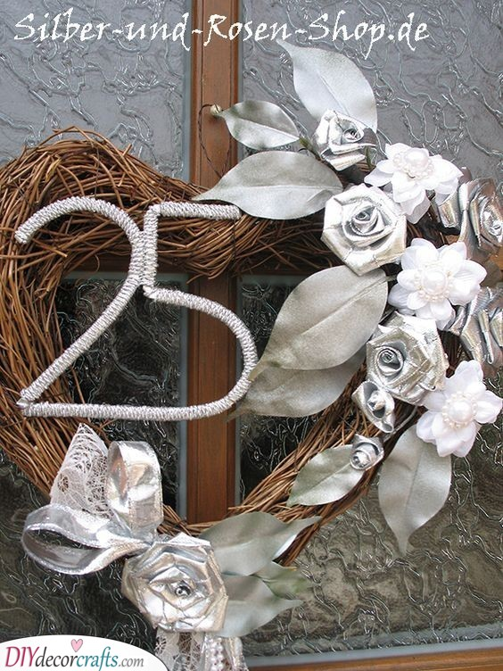Silver Wreath - Gorgeous and Elegant