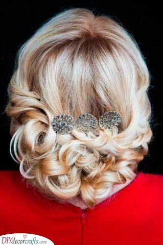 Traditional Beauty - Hairstyles for the Mother of the Bride