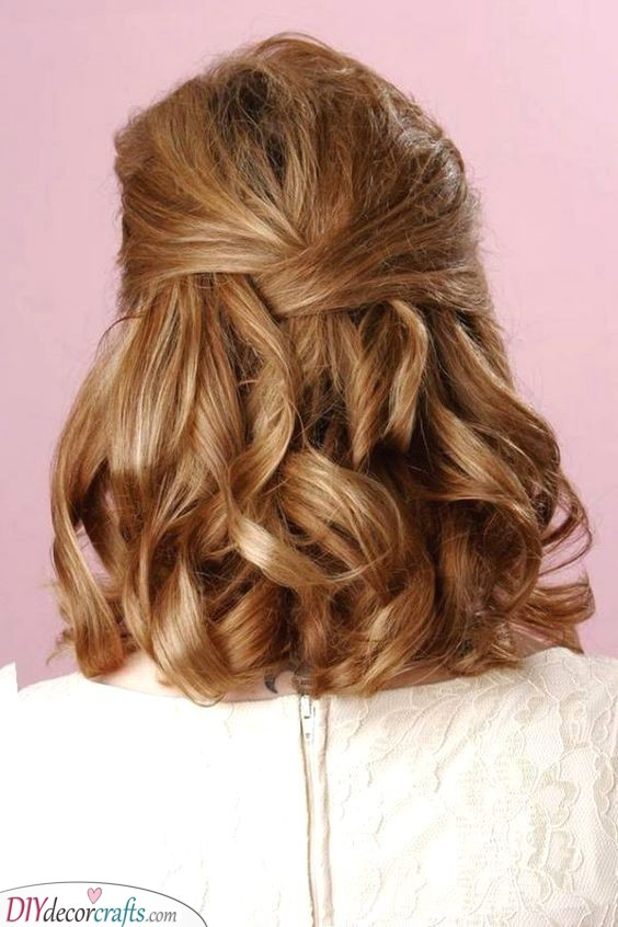 Simple and Romantic - Mother of the Bride Hairstyles