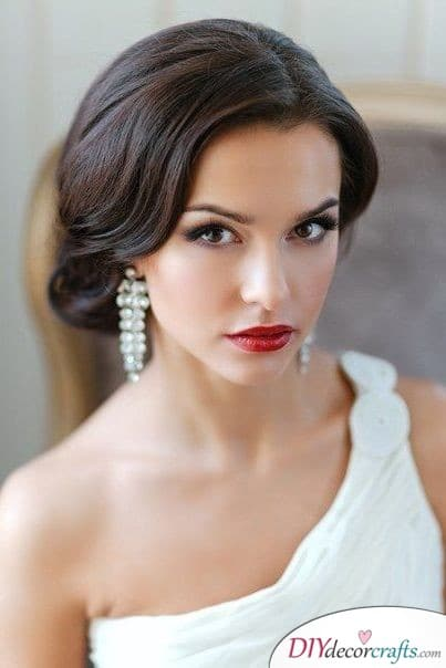 Fabulous Red - Fantastic Wedding Makeup Ideas