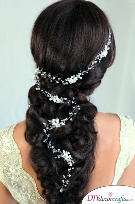 Romantic and Dreamy - An Enchanting Bridal Hairstyle