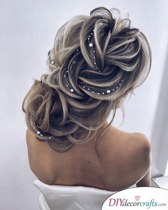 Precious Pearls - Elegant Wedding Hairstyles for Long Hair