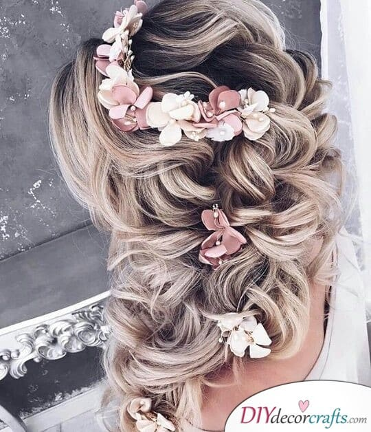 30 Stunning Wedding Hairstyles Ideas In 2019: ELEGANT WEDDING HAIRSTYLES FOR LONG HAIR