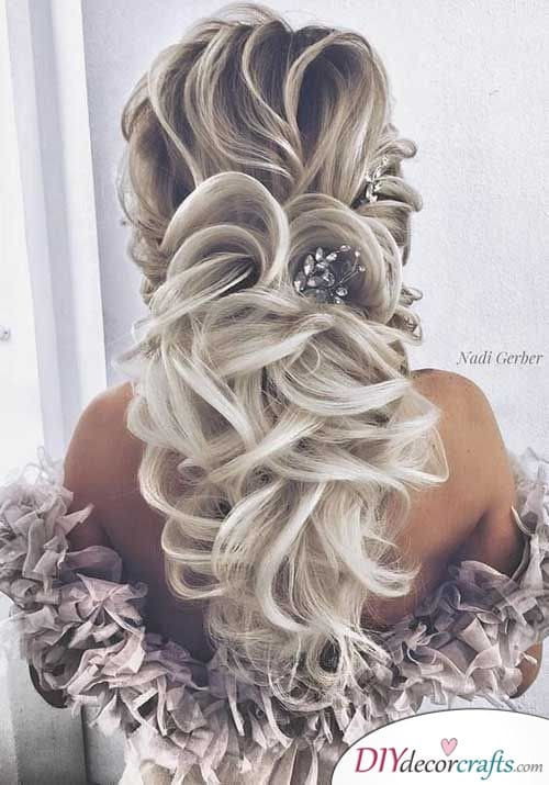 Simplicity at it's Best - Bridal Hairstyles for Long Hair
