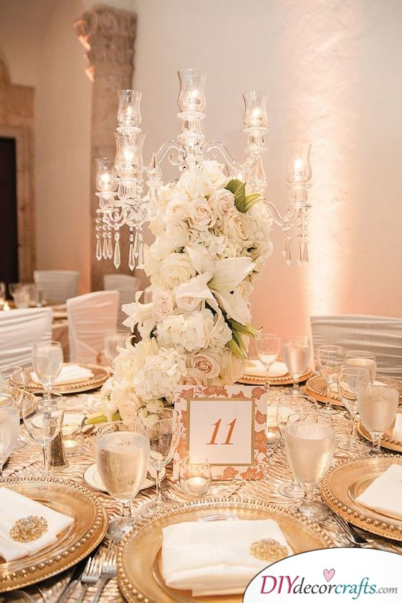White and Gold - Sophisticated Wedding Table Decoration Ideas