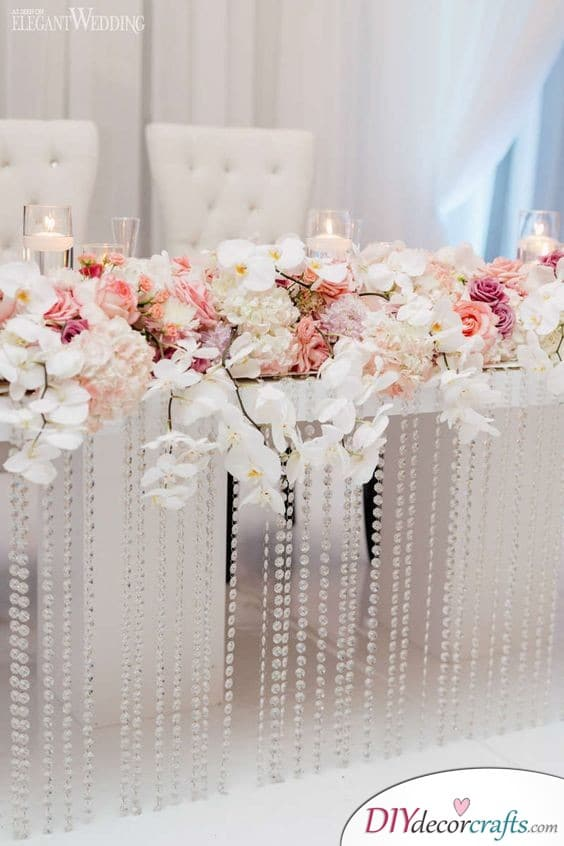 A Floral Centerpiece - Simple Wedding Table Decorations