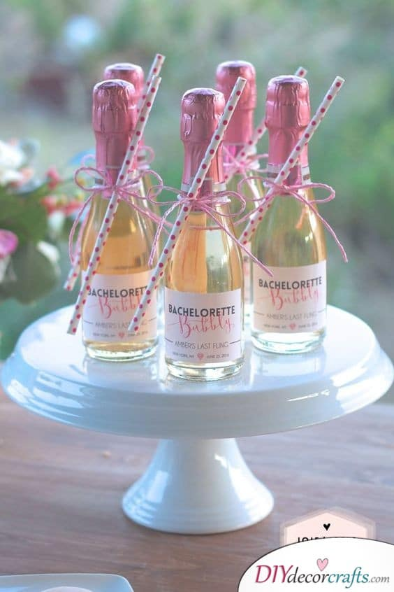 Small Bottles of Champagne with Straws - Bubbly Wedding Gifts for Guests